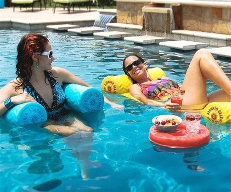 Water Hammock Pool Lounger by Adjustable Water Hammock Lounger Interwebs