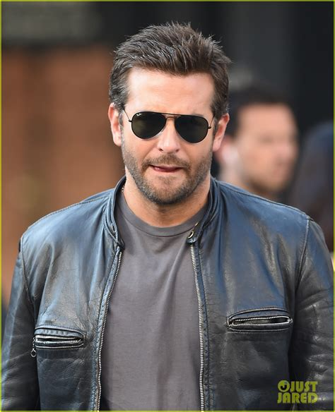 Bradley Cooper Makes A Mad Dash Down The Street For His Latest Film! Photo 3172331 Bradley