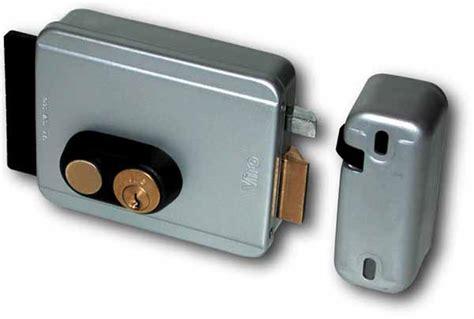 serrure electrique gauche 12v p 234 ne rentrant bouton