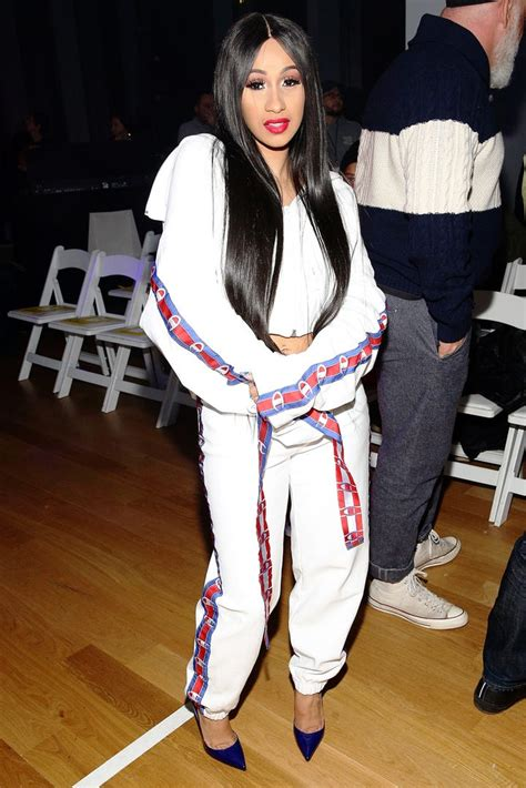 cardi  rapper style   bet awards outfit
