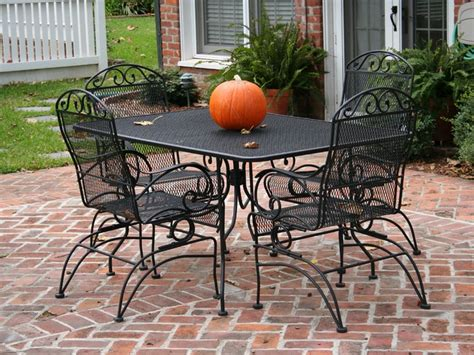 steps to clean algae from wrought iron outdoor furniture