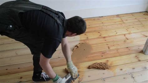 gap filling wooden pine floor  filler  sawdust mix