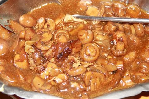 cuisiner cuisse de dinde cuisse de dinde aux chignons de brik a brak de