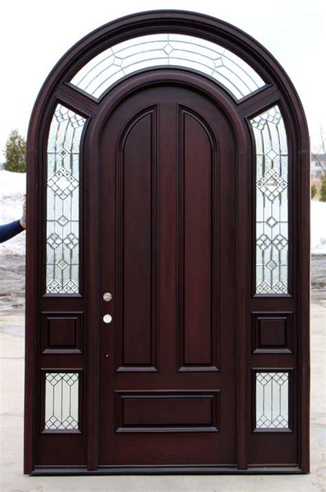 arched exterior door  sidelights cl