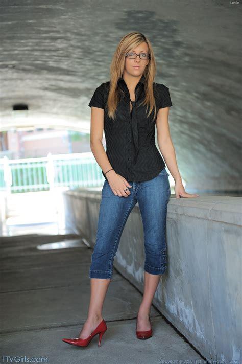 Leslie Tight Jeans Heels Tunnel Freakolla