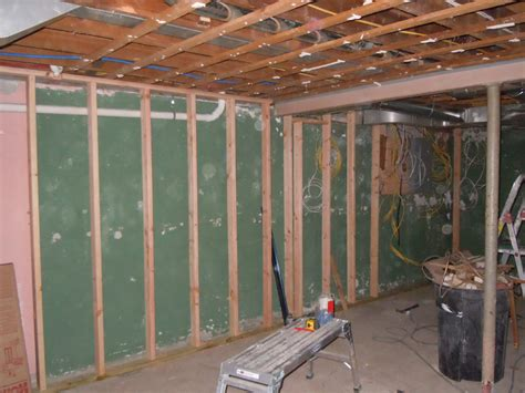 Top 5 Tips For Framing Basement Walls