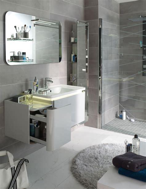 meuble cuisine vitré 10 astuces pour aménager une salle de bains