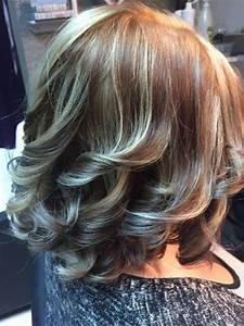 Svečane frizure koje će oduševiti mnoge u novogodišnjoj noći