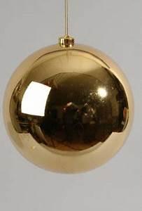 Große Weihnachtskugeln Für Außenbereich : super gro e weihnachtskugel aus kunststoff in gold und f r eine sch ne weihnachtsdekoration ~ Eleganceandgraceweddings.com Haus und Dekorationen
