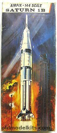 airfix  saturn  ib rocket sk