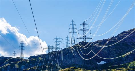 Let's Do The Shocking Physics Of Why Power Lines Sag Wired