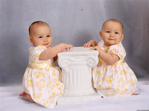 7 Tanda Wanita Hamil About Baby Article Twins Baby Child And Pictures Types