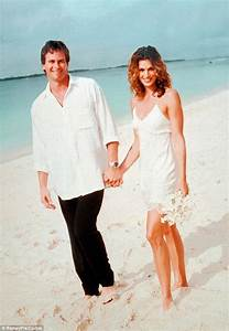 cindy crawford tells about her quickie wedding to richard With cindy crawford wedding dress