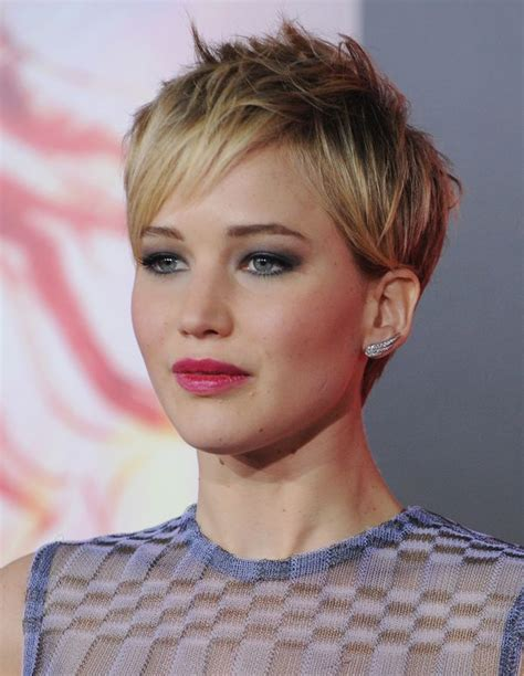 Pixie Hairstyles For Hair by 20 Pixie Haircuts That Make Us Want To Chop Our Hair