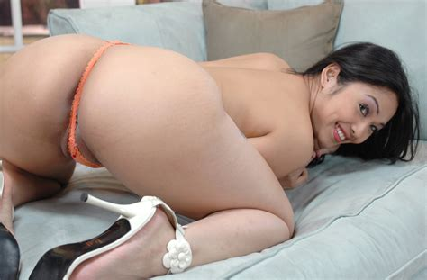 Mika Tan Fucking In The Bathroom With Her Hairy Bush