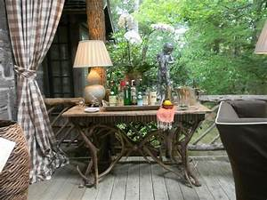 Beautiful Table Decoration and Rustic Themed Decor Turning