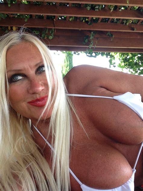 Brooke Hogan  nackt