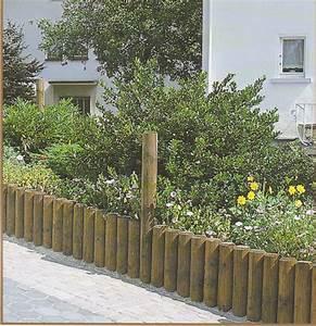 Palisaden Holz Rund : holzwand oder beeteinfassung aus palisaden ~ Frokenaadalensverden.com Haus und Dekorationen