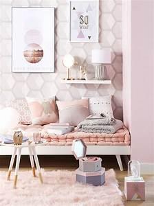 deco murale papier peint graphique pastel tres design With déco chambre bébé pas cher avec blouse femme a fleurs