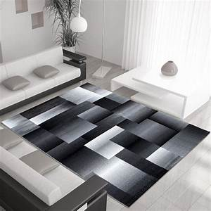 Tapis design moderne coloris noir chic for Tapis moderne design