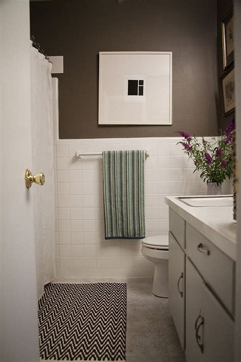 Inexpensive Bathroom Makeover Ideas by A Simple Inexpensive Bathroom Makeover For Renters
