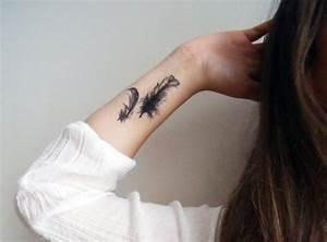 Tattoo Feder Unterarm : zwei feder am handgelenk innen stechen lassen tattoo ideas pinterest tattoo and tatoos ~ Frokenaadalensverden.com Haus und Dekorationen