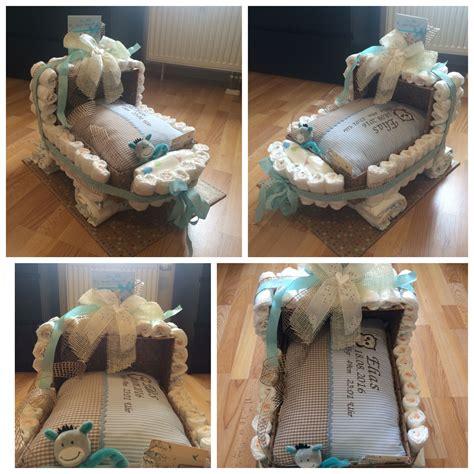 selbstgebastelte geschenke zur geburt geschenk zur geburt baby windelgeschenk windelwagen mit personalisiertem kissen