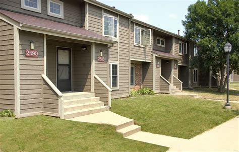 Section 8 One Bedroom Apartments by Countrybrook Apartments Chaign Il 1 2 And 3 Bedroom
