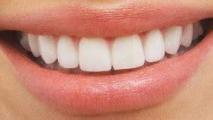 comment avoir des toilettes blanches comment avoir les dents blanches sans aller chez le dentiste