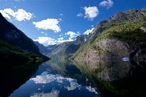 Download Mobile Phone Background Images From The Norwegian