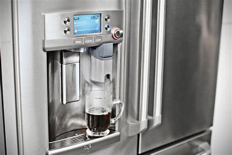 forget  dispensing ice ges  fridge    hot cup  joe shouts