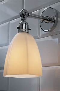 applique salle de bain bois moderne en bois verre trapze With carrelage adhesif salle de bain avec lampe sous marine led