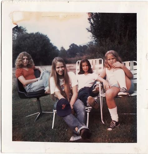 25 Rare And Cool Polaroid Prints Of Teen Girls In The 1970s Barnorama