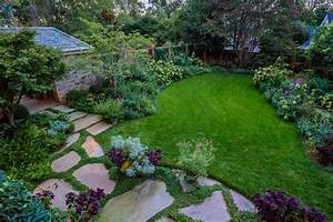 Simple landscaping ideas hgtv for Landscaping ideas for backyard