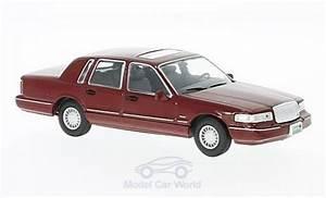 Miniatura Lincoln Town Car 1  43 Whitebox Dunkelrojo 1996