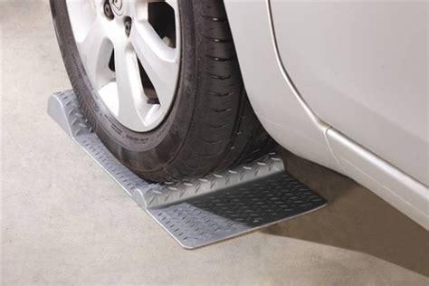 siege auto poids avantages et utilisation des cales et butées de roues