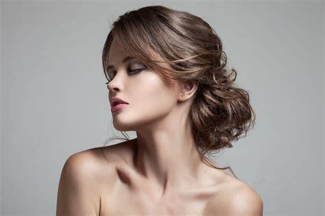 fryzury na wesele najmodniejsze trendy