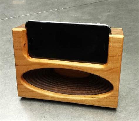 acoustic speaker passive amplifier docking