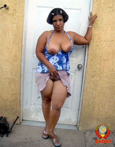 010  In Gallery Osita Dominican Mature Shows Her Ass Rw Set 3 Picture 10 Uploaded By