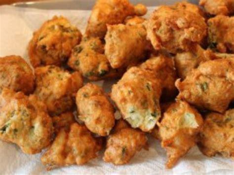 cuisiner la morue accras de morue recette de accras de morue marmiton