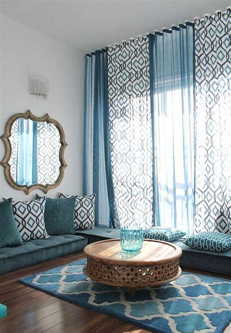 chairs that hang from the ceiling ikea örneklerle salon dekorasyon fikirleri dekoloji ev