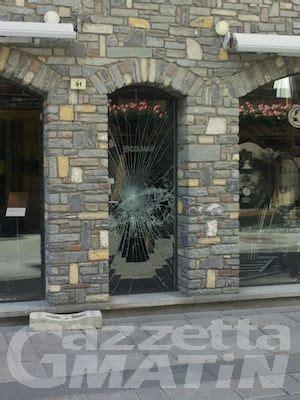 negozi di ladari a roma furti svaligiati due negozi a courmayeur news vda da