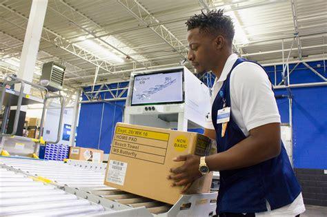 Unloader Walmart by Top Ways Walmart Is Changing How Customers Shop