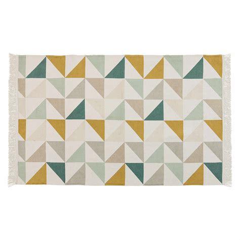 deco de chambre d ados fille tapis motif triangles en coton 120 x 180 cm gaston
