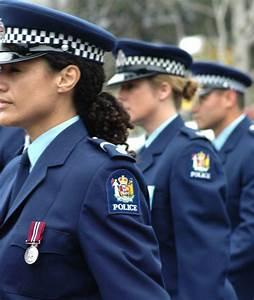 Uniforme Police Nationale : armor lux n 39 habillera plus la police nationale ekonomico ~ Maxctalentgroup.com Avis de Voitures
