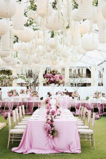 lanternes mariage idee decoration jardin mariage lanterne en papier mariageoriginal