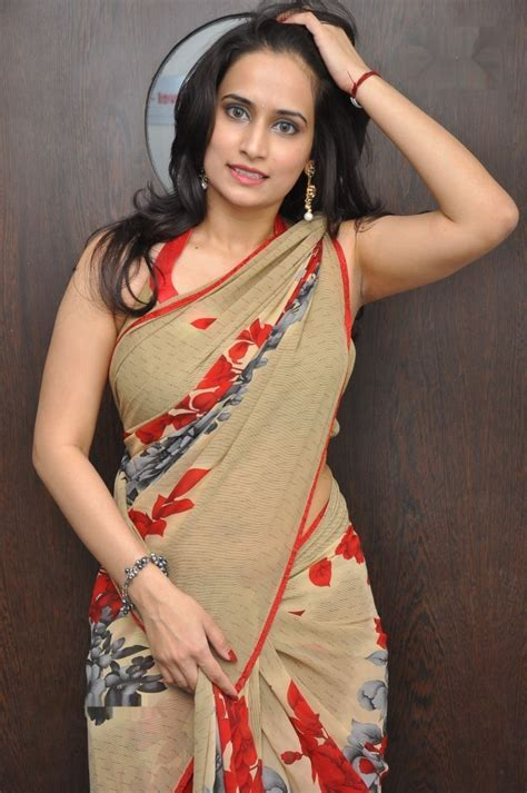 Chinmayi Ghatrazu Saree Photos Desistarz Com