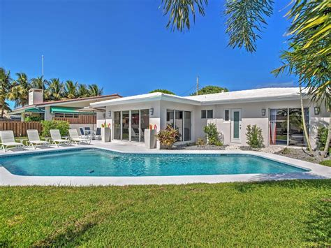 Upscale 3br Wilton Manors House W/heated Po... Reno Furniture Stores Office Depot Mallin Casual 19th Century Kohls Clearance Cheap Patio Ideas Lounge For Sale Boulder
