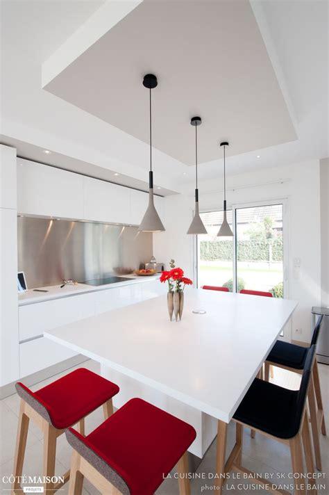 cuisine design italien une cuisine design italien total look blanc avec îlot