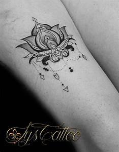 Fleur Lotus Tatouage : tatouage femme cuisse fleur de lotus ~ Mglfilm.com Idées de Décoration